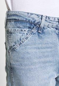 Levi's® - TAPER CARPENTER CROP - Jeans a sigaretta - dark indigo - 3
