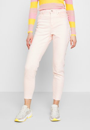 PCLEAH MOM HW ANK COLOUR ACID JEANS - Straight leg jeans - sea pink