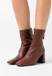 LAB - Classic ankle boots - dark brown - 0