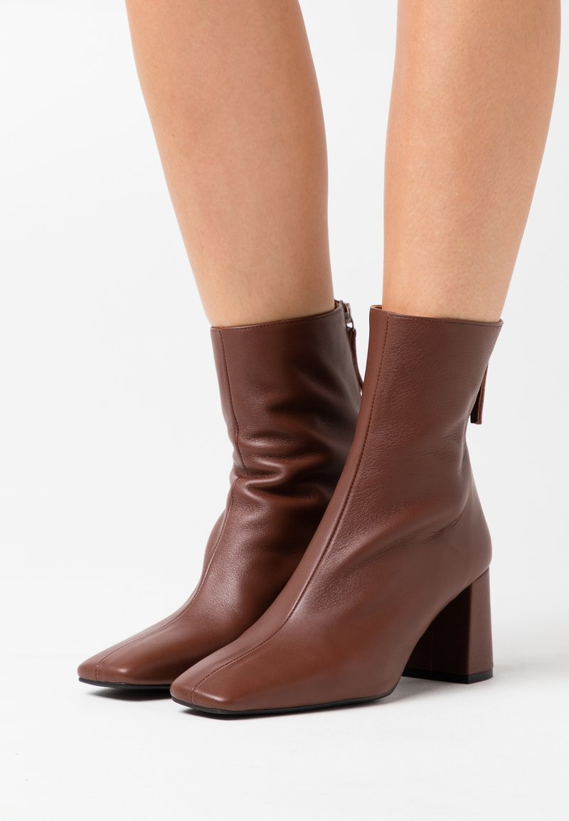 LAB - Classic ankle boots - dark brown