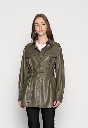ONLDEA SHACKET - Faux leather jacket - tarmac