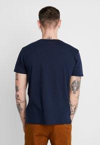 CLOSURE London - SIGNATURE TEE ONE COLOUR 2 PACK - T-shirt basic - navy - 2