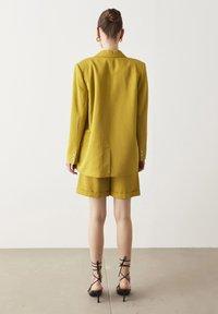 Ipekyol - Short coat - green - 1