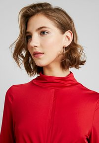 Lost Ink - HIGH NECK RUCHED DETAIL - Long sleeved top - fuchsia - 3
