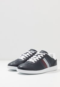 Tommy Hilfiger - ESSENTIAL CORPORATE CUPSOLE - Trainers - blue - 2