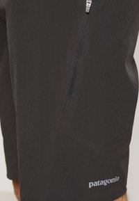 Patagonia - DIRT ROAMER BIKE SHORTS - kurze Sporthose - black - 4