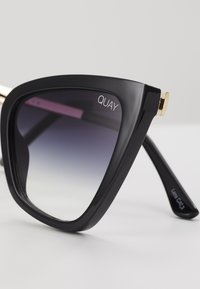 QUAY AUSTRALIA - REINA MINI - Sunglasses - black/fade - 4