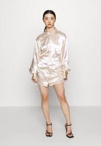 Gina Tricot Petite - SIDNEY SHIRT DRESS - Cocktailjurk - sandshell - 0