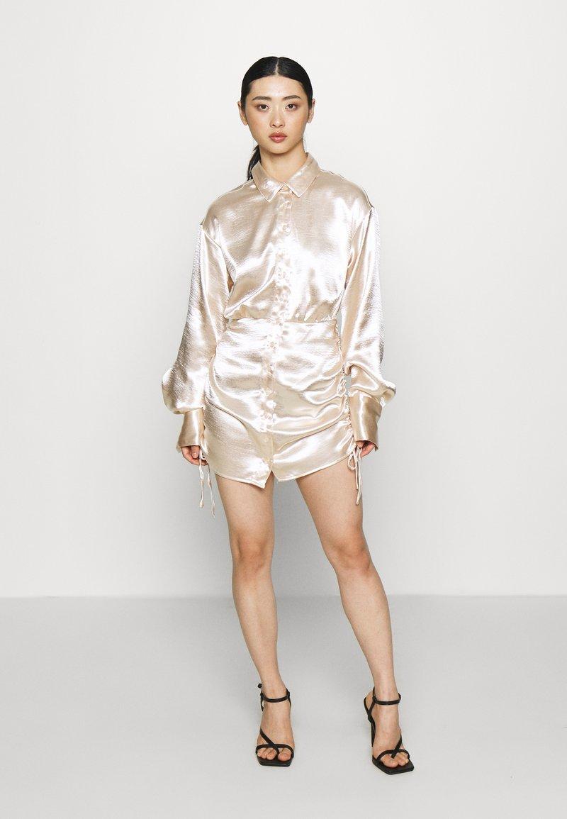 Gina Tricot Petite - SIDNEY SHIRT DRESS - Cocktailjurk - sandshell