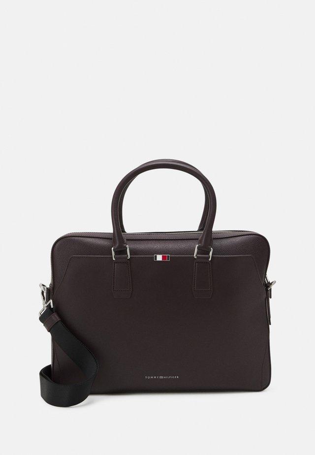 BUSINESS SLIM COMP BAG - Portfölj - purple