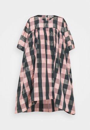 LAVA DRESS - Vapaa-ajan mekko - rose