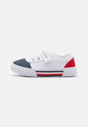 Trainers - blue/white/red