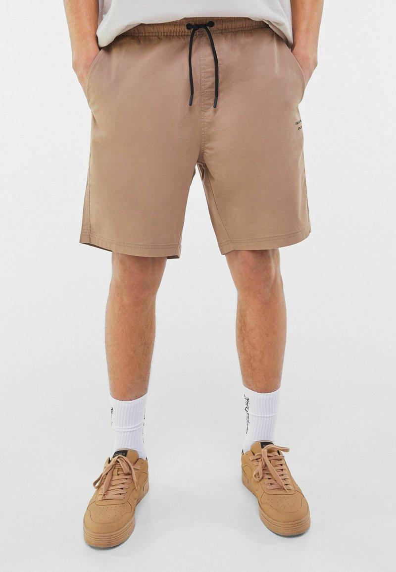 Bershka - Shorts - beige