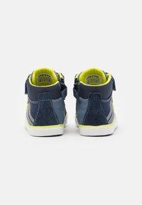 Geox - KILWI BOY - Babyschoenen - navy/fluo yellow - 2