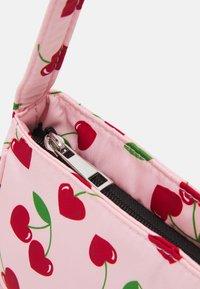 Fire & Glory - SHOULDER BAG - Handbag - candy pink/red - 4
