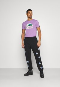 Obey Clothing - KYOTO - Pantalones deportivos - black - 1