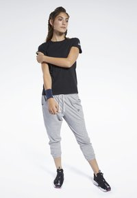 Reebok - LOGO TEE - T-shirt z nadrukiem - black - 1