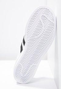 adidas Originals - SUPERSTAR - Baskets basses - white/core black - 4