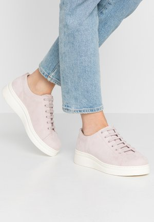 RUNNER UP - Sneakers laag - pastel pink