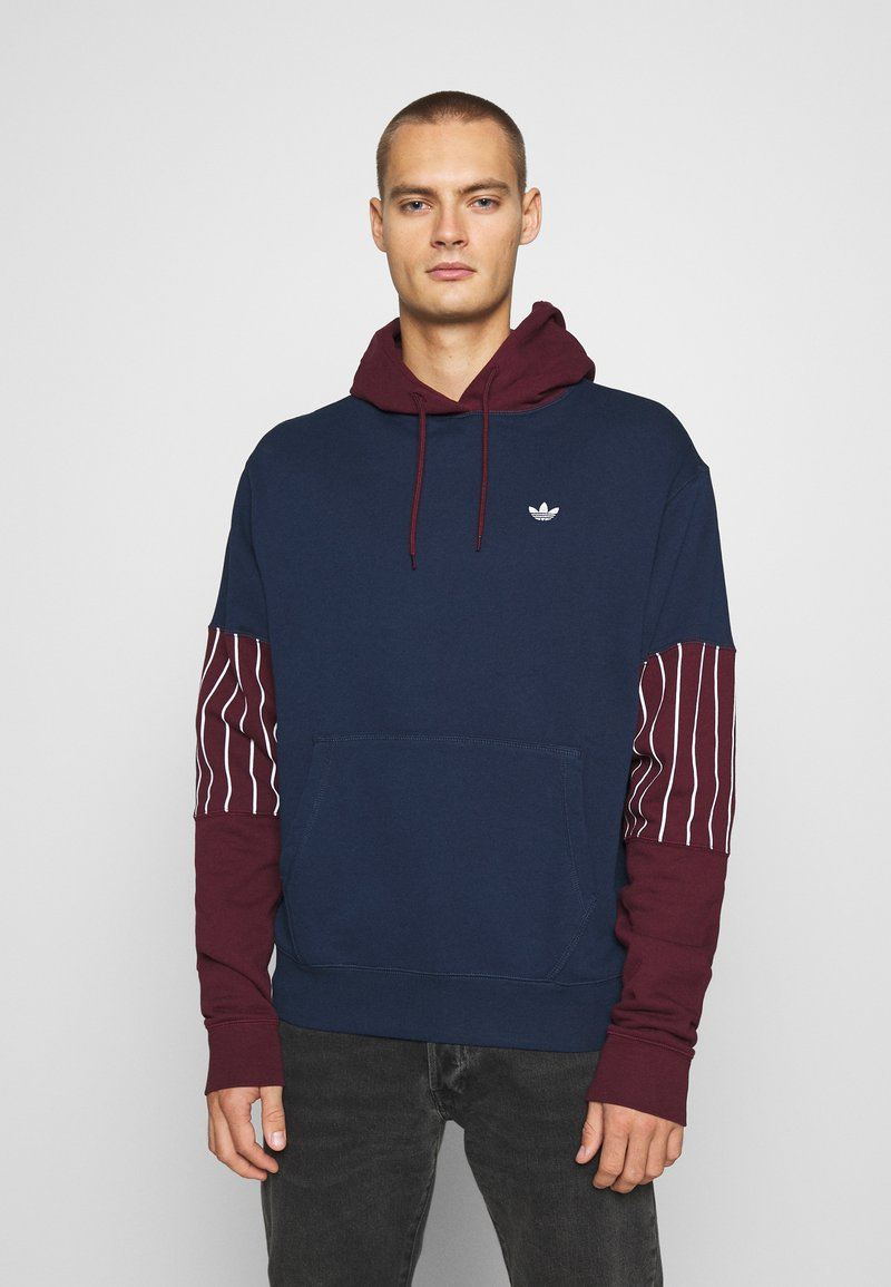adidas Originals - SUMMER HOODY - Sweat à capuche - conavy/maroon