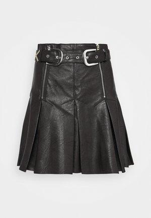 PLEAT BUCKLE MINI SKIRT - Mini skirt - black