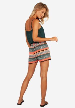 JEANNE - Shorts - dark green