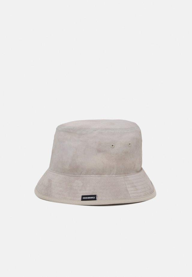 WASHED BUCKET HAT UNISEX - Hat - string
