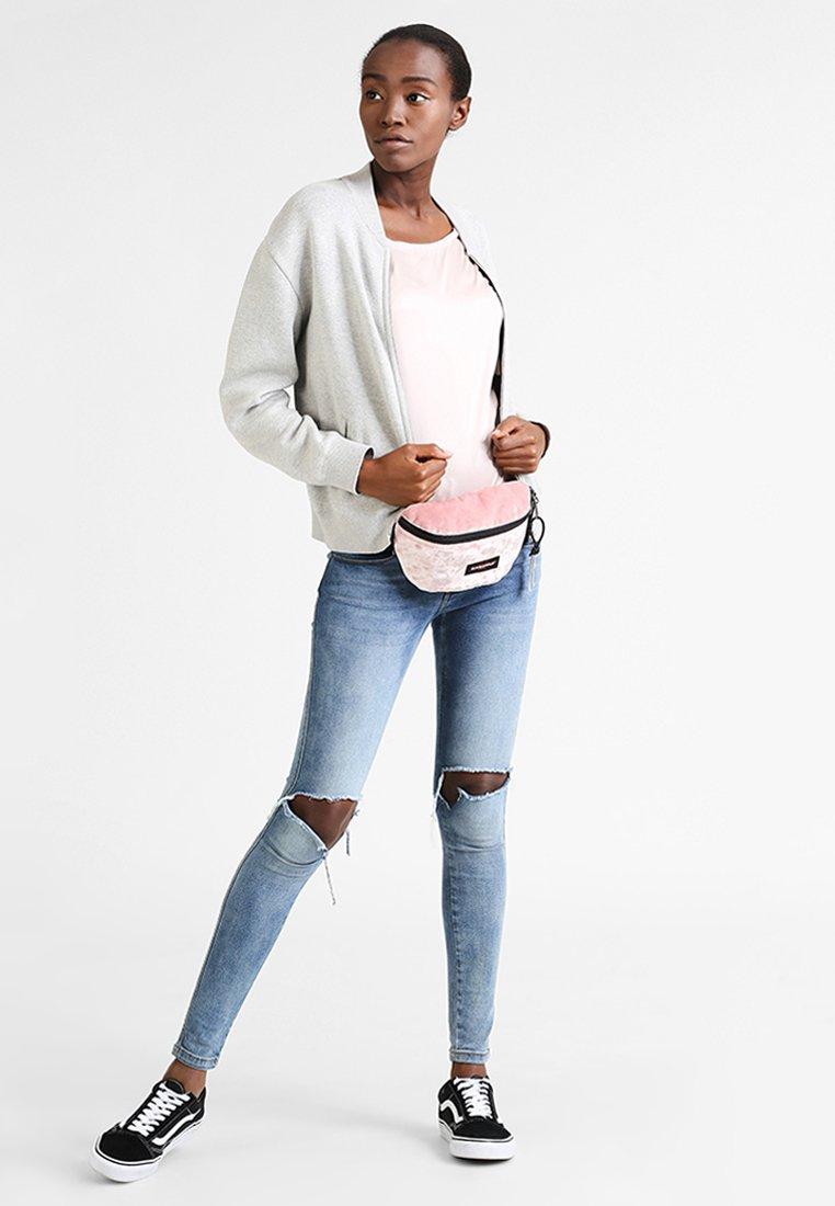 Eastpak - SPRINGER - Bum bag - rose