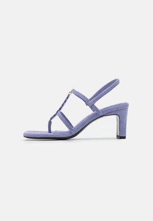 NARCISSIST THONG  - T-bar sandals - violet