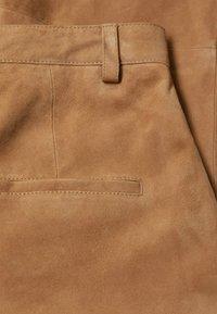 Mango - Leather trousers - mittelbraun - 7