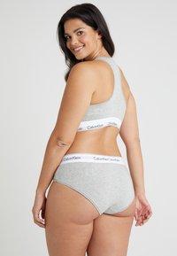 Calvin Klein Underwear - MODERN PLUS BOYSHORT - Briefs - grey heather - 2
