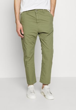 UNIVERSE PANT CROPPED - Tygbyxor - olive
