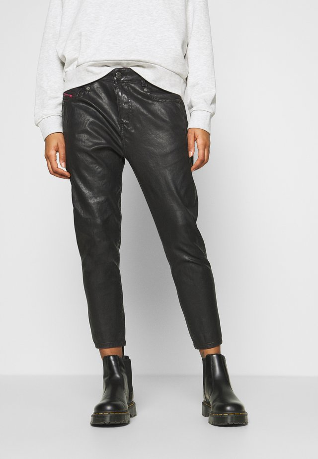 D-FAYZA-SP2-NE JOGGJEANS - Trousers - black/pink