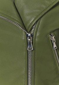 Oakwood - YOKO - Kožená bunda - green - 5