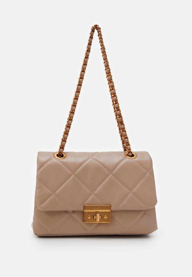 ALOJA - Handbag - sienna/mamba