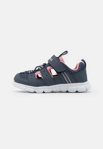 SORIN  - Walking sandals - grau/rosa