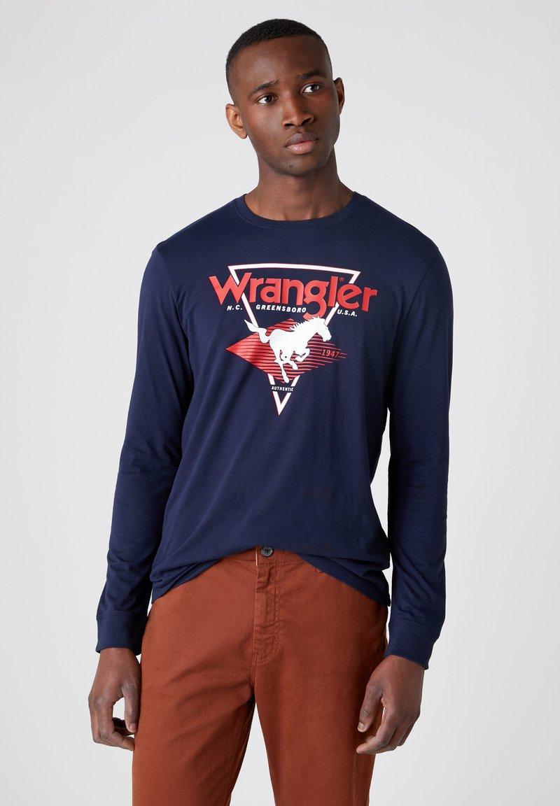 Wrangler - LS MODERN AMERICANA - T-shirt z nadrukiem - navy