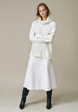 Spódnica trapezowa - white