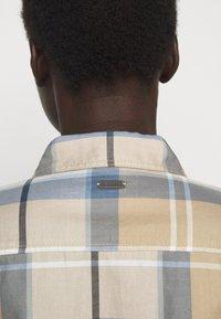 Barbour - BREDON REGULAR FIT - Košile - blue mist - 5