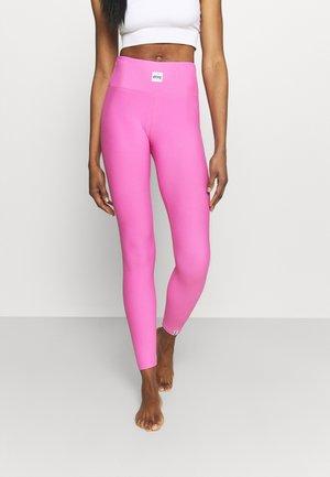 VENTURE - Tights - super pink