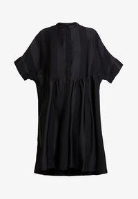 Selected Femme - SLFVIOLA OVERSIZE DRESS - Košilové šaty - black - 5