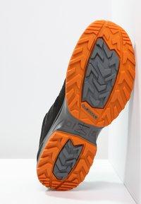 Lowa - INNOX EVO GTX - Hiking shoes - schwarz/orange - 4