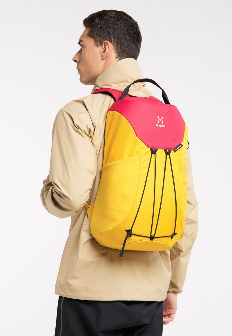 Haglöfs - Hiking rucksack - pumpkin yellow/scarlet red
