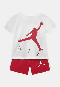 Jordan - JUMPING BIG AIR SET UNISEX - Triko spotiskem - gym red - 0
