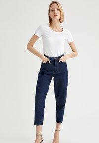 DeFacto - T-shirt basic - white - 1