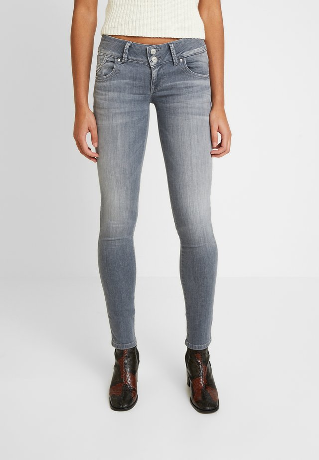 MOLLY - Jeansy Skinny Fit - luce wash