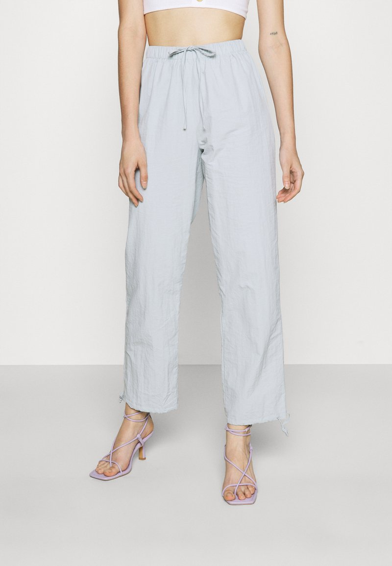 Missguided - TIE CUFF - Tracksuit bottoms - baby blue