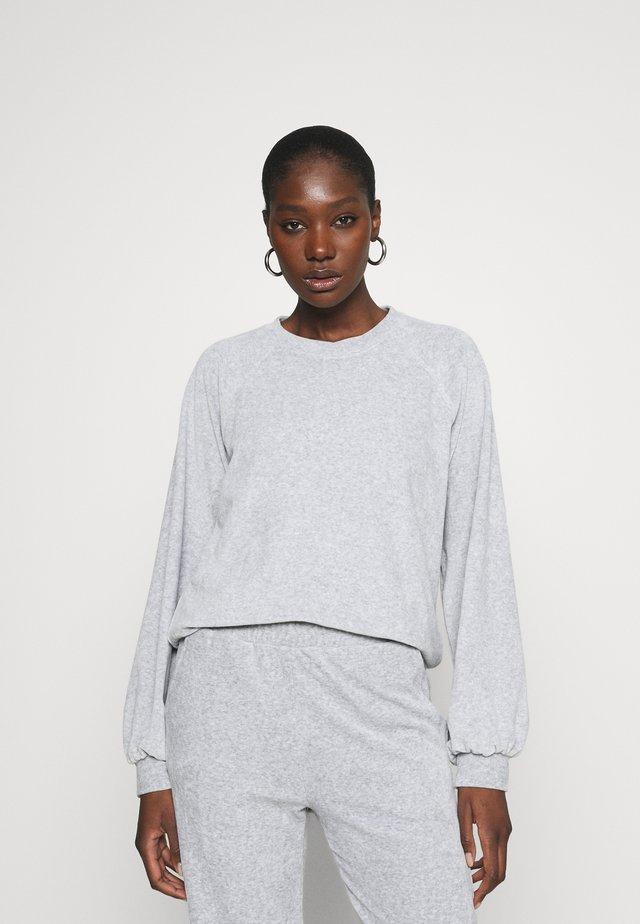 ROO - Collegepaita - light grey mel