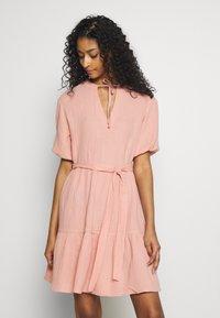 NA-KD - VNECK SHORT SLEEVE DRESS - Day dress - dusty pink - 0