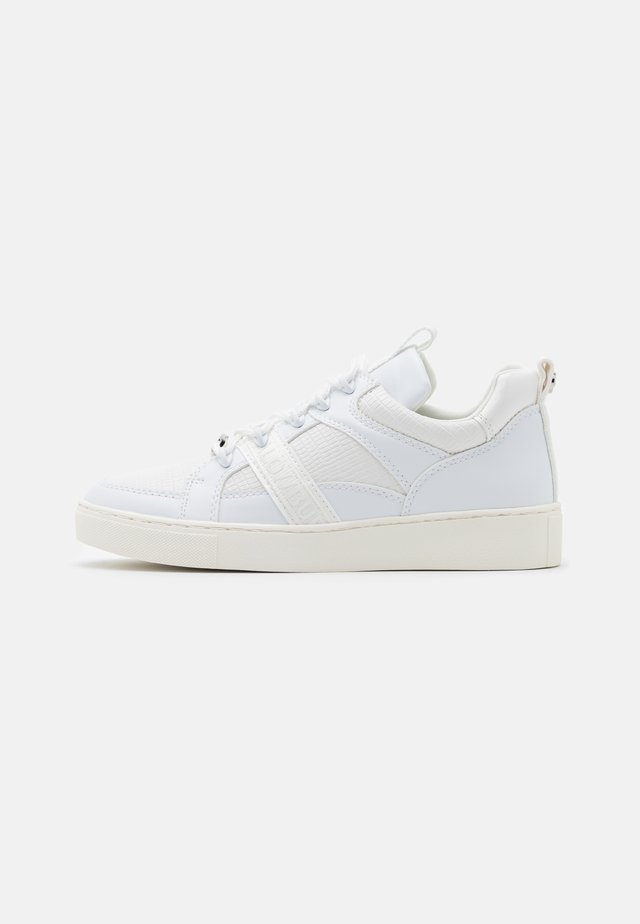 CATCHER LEAD - Sneakers laag - lizard white